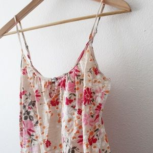 💕 Old Navy Floral Keyhole Front Tank Top
